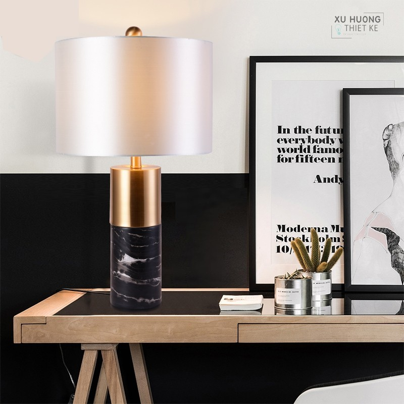 Đèn bàn Black Marbel phù hợp với những căn phòng có thiết kế đơn giản và sang trọng