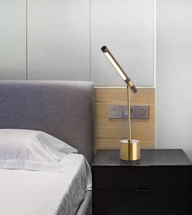 Đèn ngủ để bàn Wooden Lima trong trang trí không gian phòng ngủ