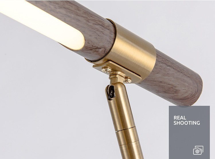 Chất liệu sang trọng cùng lỗi thiết kế hiện đại, cao cấp của đèn để bàn Wooden Lima