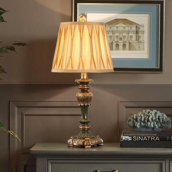 Đèn trang trí phòng ngủ Hypenol hoàng tộc