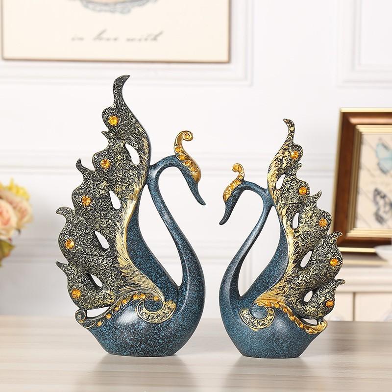 Tượng trang trí thiên nga Blue Loop biểu tượng cho tình yêu đôi lứa hạnh phúc