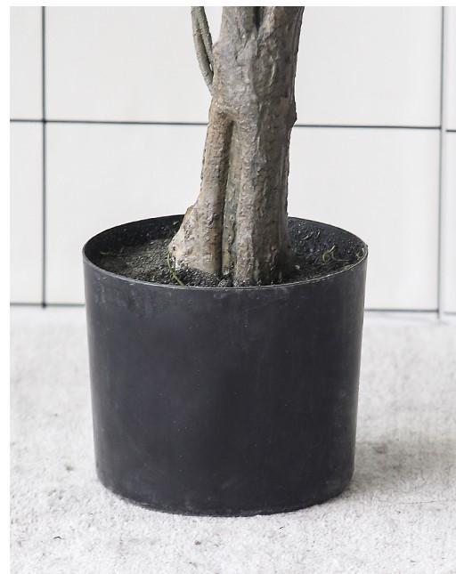 Dộ tỉ mỉ và tinh xảo của thân cây bàng giả