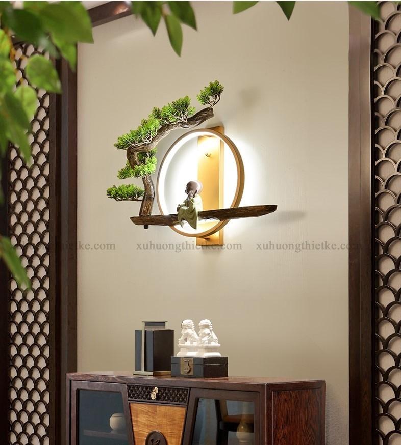 Đèn treo tường tiểu cảnh chú tiểu bên góc bồ đề - Mẫu đèn phật ý nghĩa và mang tính văn hóa nghệ thuật cao