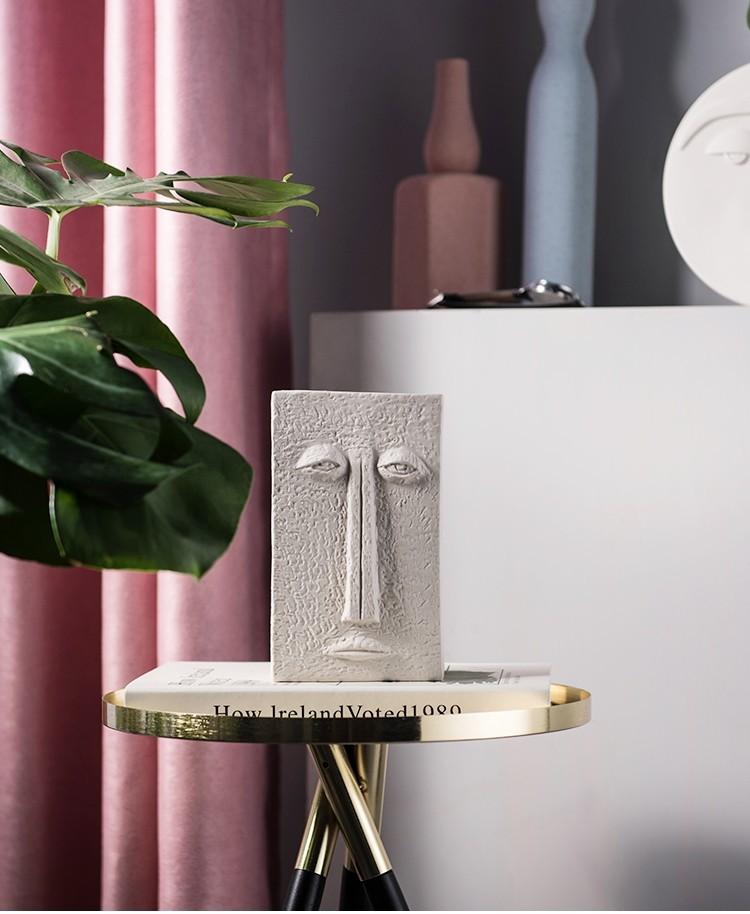 Bình gốm cắm hoa geometric với gương mặt chữ nhật