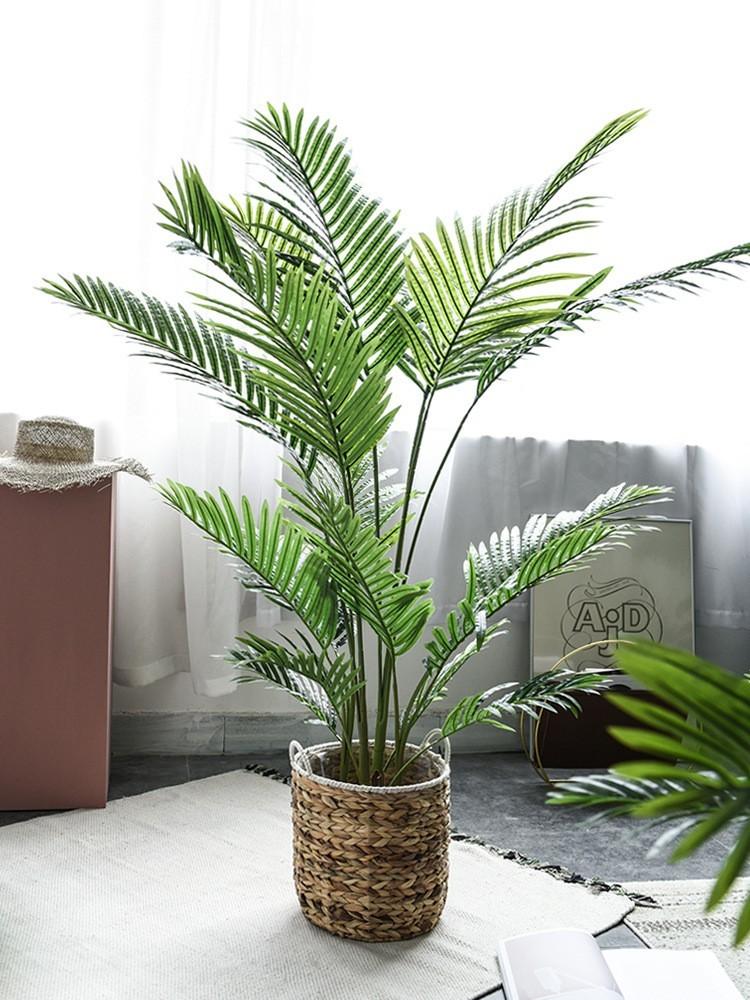 Ngoài ra, bạn có thể sử dụng các mẫu giỏ cối để tô điểm cho cây thêm đẹp