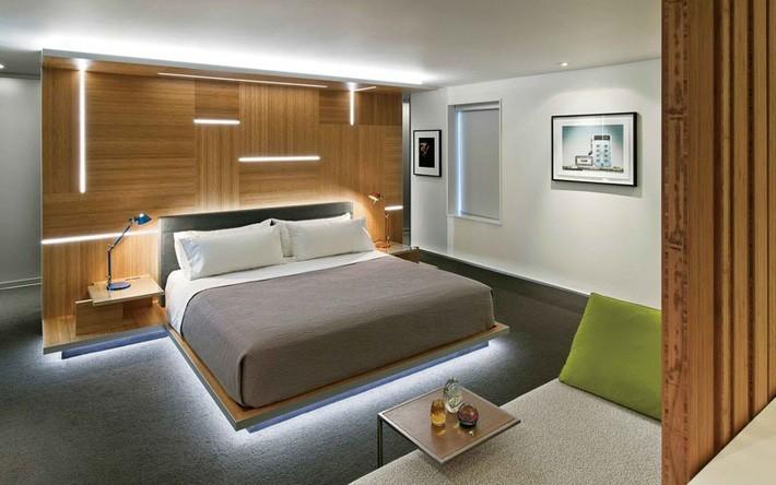 Dù có thiết kế đơn giản thế nào thì bạn chẳng thể nào rời mắt khỏi chiếc giường ngay từ khi nhìn thấy nó.