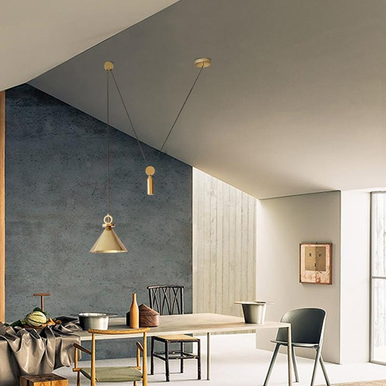 Đèn treo thả trần Golden Ziczac trong trang trí không gian bàn ăn, phòng bếp