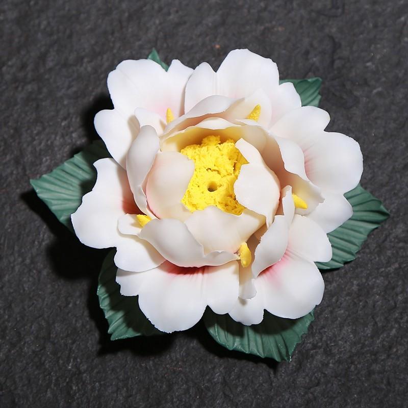 Vẻ đẹp của dĩa cắm nhang hình hoa mẫu đơn
