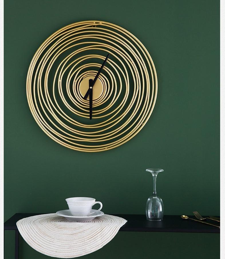Đồng hồ Circle Misty thích hợp với mọi loại hình không gian, bởi vì sự đơn giản và nghệ thuật cả nó