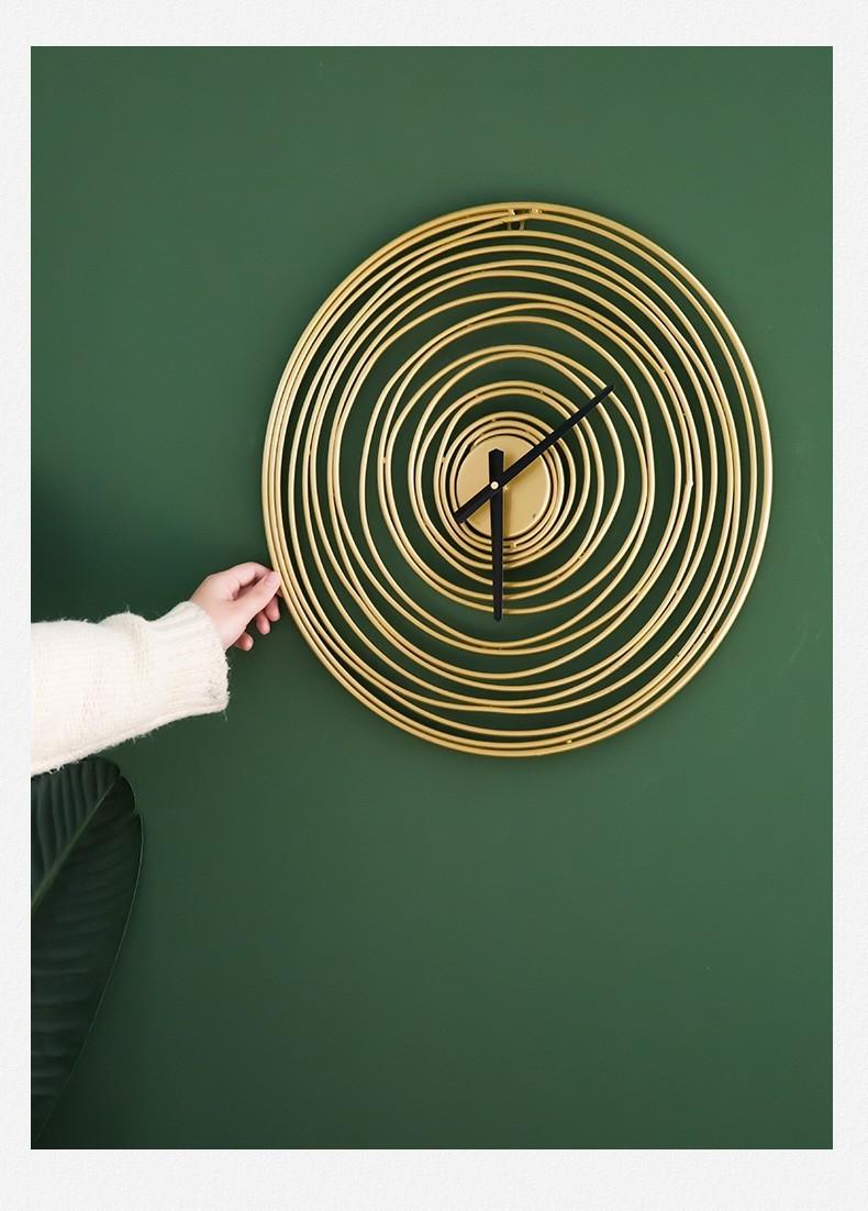 Đồng hồ treo tường Circle Misty thích hợp trang trí ở các không gian nghệ thuật