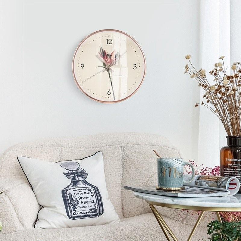 Vẻ đẹp nhẹ nhàng và thanh tao của đồng hồ treo tường Đồng hồ treo tường Poppies Flower