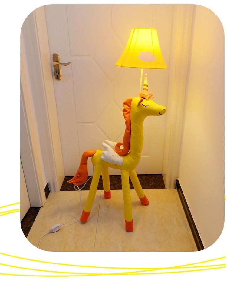 Đèn cây đứng Unicorn vàng