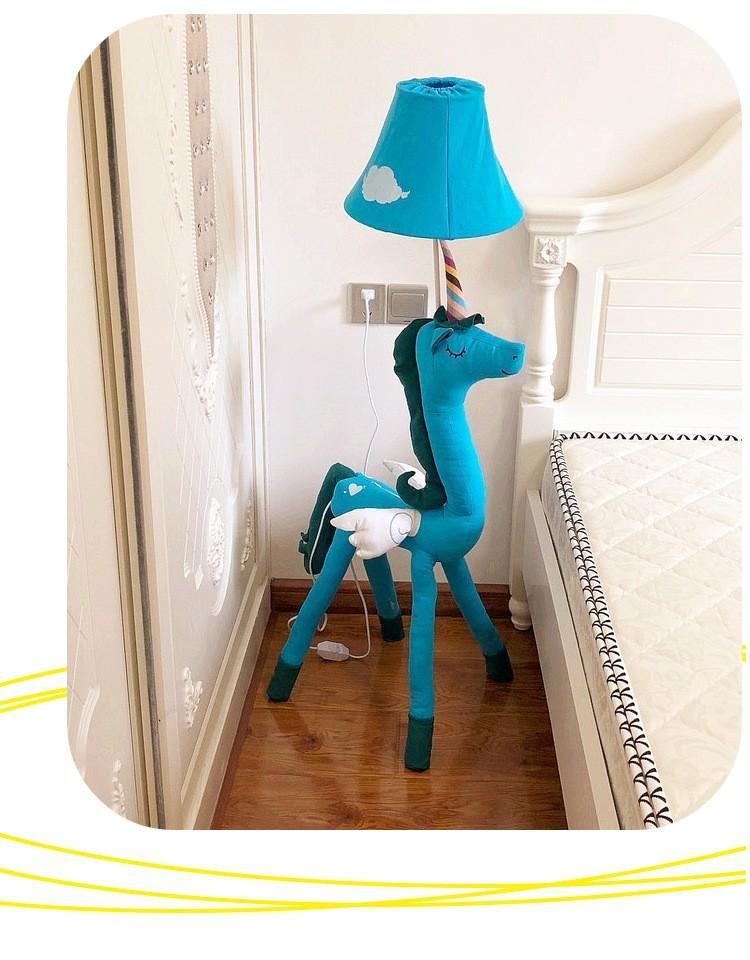 Đèn cây đứng Unicorn xanh