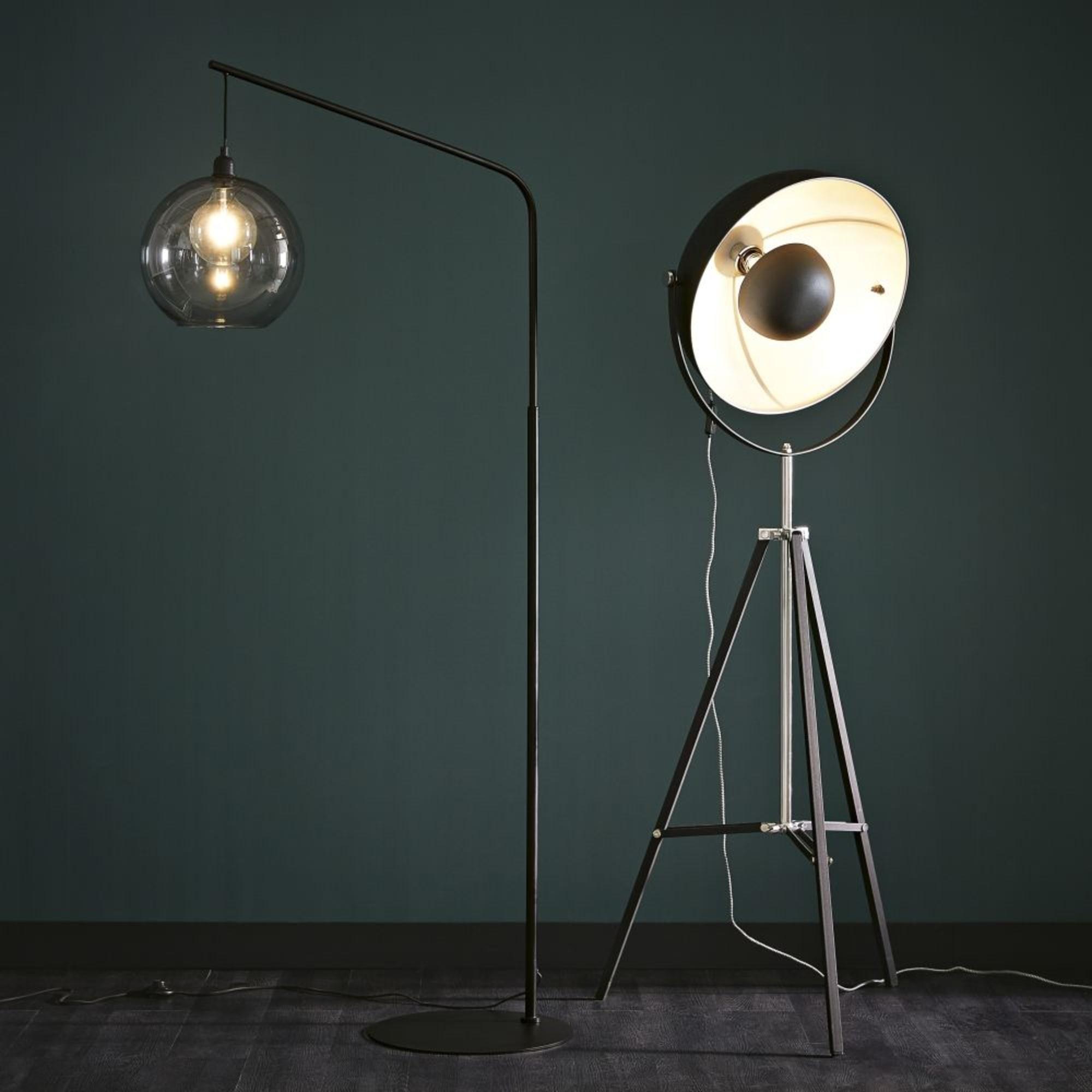 Đèn sàn studio Phera cao cấp được nhập khẩu từ Ý