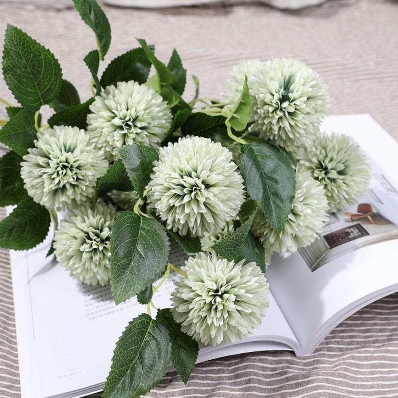 Hoa cẩm tú cầu màu xanh lá cây