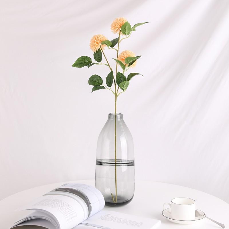 Sản phẩm Hoa cẩm tú cầu giả phối cùng bình thủy tinh trắng