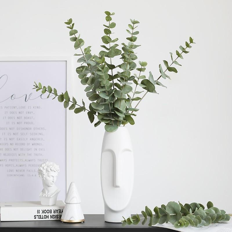 Bình hoa nghệ thuật phối cùng lá bạch đàn