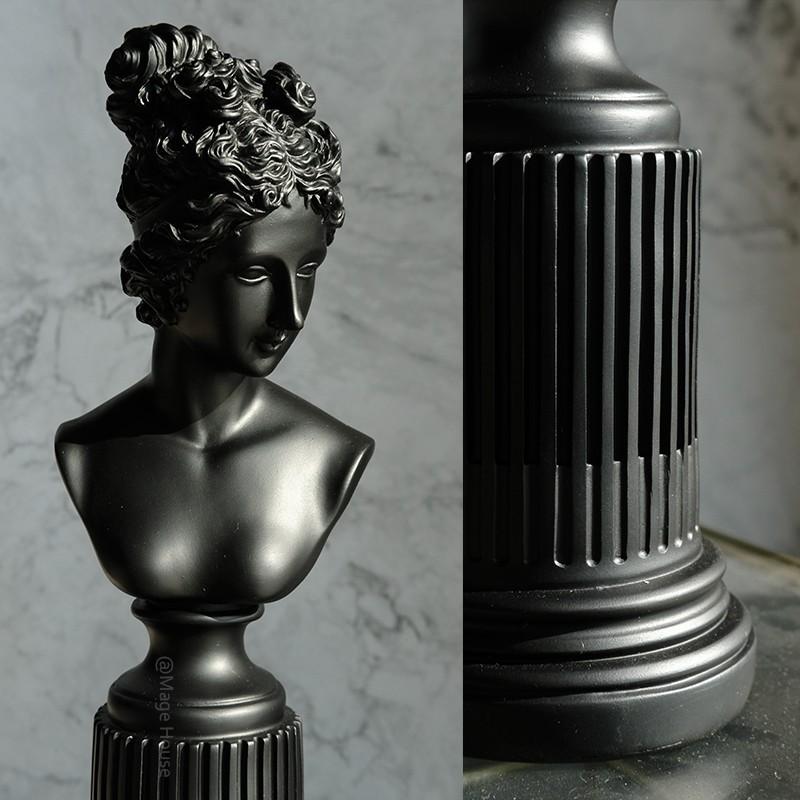 Tượng cô gái Renaissance
