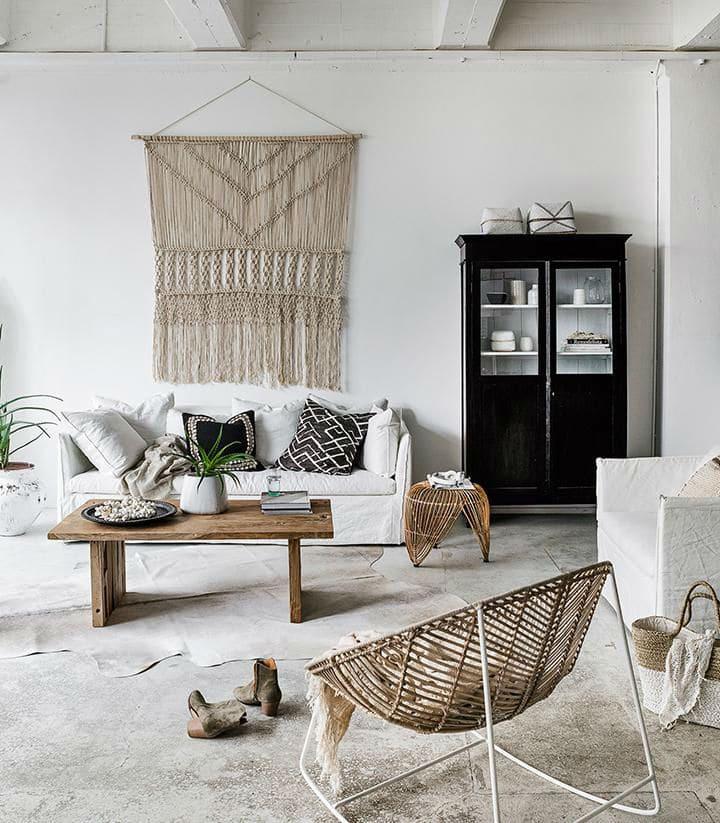 Tường nhà màu trắng sẽ tạo cảm giác không gian rộng và cởi mở hơn