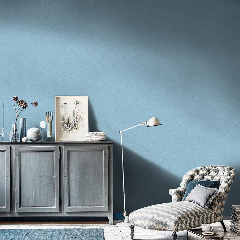 Trang trí phòng với giấy dán tường màu xanh nhạt