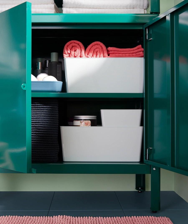 Ngoài ra, bạn cũng đừng quên sử dụng các hộc tủ để lưu trữ các đồ dùng cần thiết