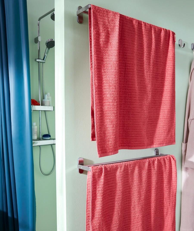Sử dụng giá treo khăn giúp không gian thêm gọn gàng và dễ dàng hông khô khăn tắm hơn