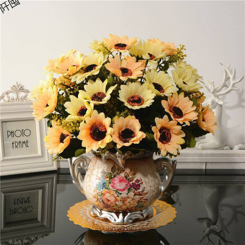 Bình hoa cúc vàng (BHCS17)