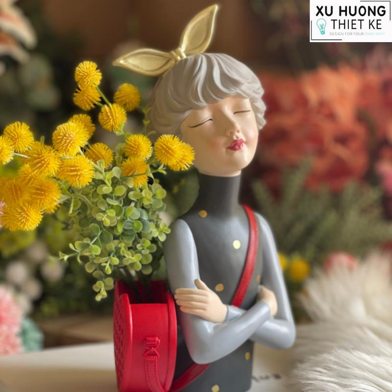 Bình cắm hoa cô gái Aphrodite